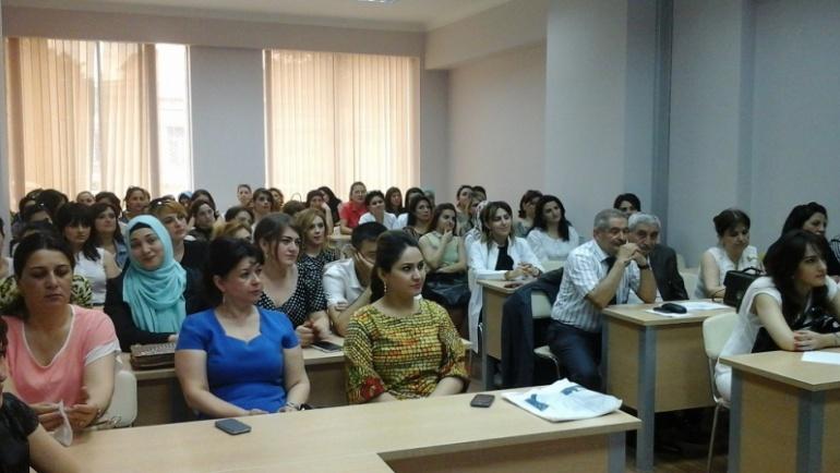 Gence Tıp Koleji Ebelik Bölümü öğrencilerine eğitim