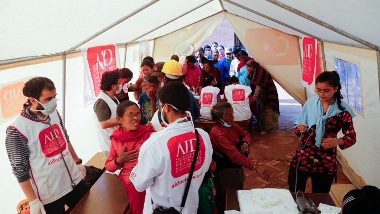 AID, Nepal'de Depremin Yaralarını Sarıyor