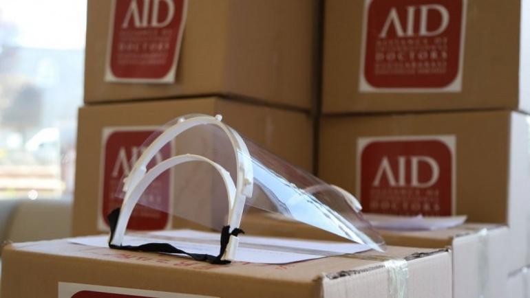 AID Uluslararası Doktorlar Derneği'nden Sağlıkçılara 15 Bin Adet Siperlik