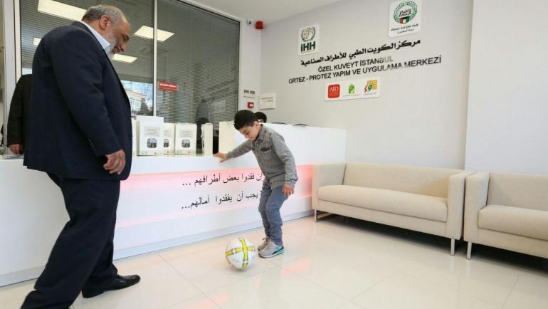 Savaş mağdurları için protez merkezi açıldı