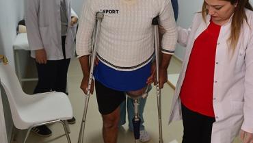 Ahmed el-Muta 6 yıldır beklediği protezine kavuştu