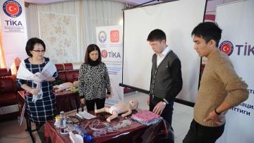 """Kırgızistan'da """"Yenidoğan Canlandırma (Neonatal Resüsitasyon)"""" eğitimi verdik"""