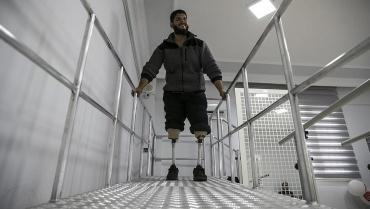 İç savaşta uzuvlarını kaybeden 74 Suriyeli protez el ve ayaklarına kavuştu